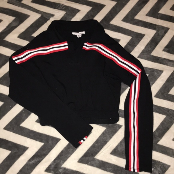 Urban Behavior Tops - Red, black and white crop top, super soft material